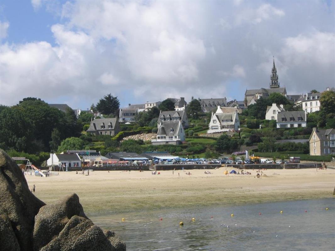 Carantec, Près De Morlaix, Dans Le Finistère Nord